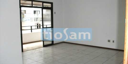 Edifício Saint Laurent Apartamento três quartos centro Guarapari