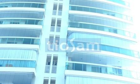 Apartamento três dormitórios sem mobilia para aluguel anual Praia de Peracanga Guarapari ES