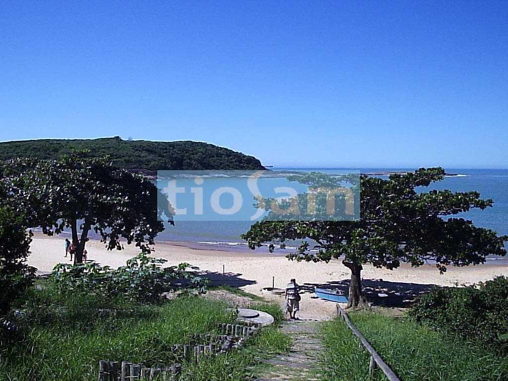 Ed. Lobato Lemos 4 suítes de frente para o mar Praia da Bacutia Enseada Azul Guarapari ES