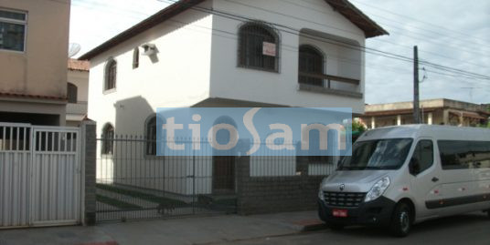 Casa 8 quartos na Av. F bairro Itapebussú Guarapari ES
