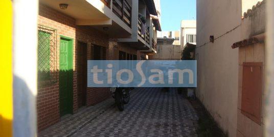 Casa duplex em condomínio fechado 2 quartos na Praia do Morro em Guarapari ES
