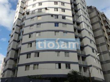 Edifício Saint Tropez apartamento 2 quartos Centro de Guarapari ES
