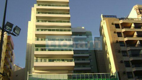 Edifício Aqcamarine andar alto 1 quarto Praia das Castanheiras ES